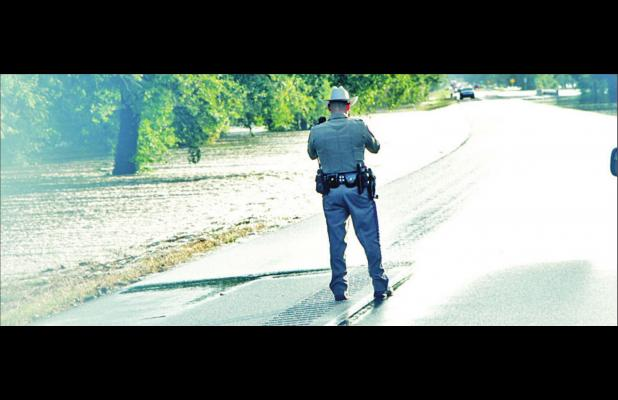 Flooding shuts down Highway 84